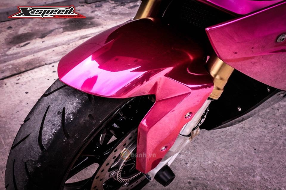 BMW S1000RR 2015 mau hong chrome day noi bat cua nu biker Thai - 6