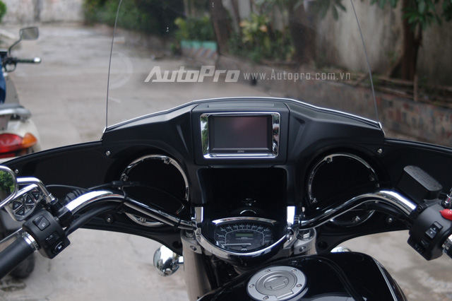 Can canh hang hiem Yamaha V Star 1300 Deluxe vua duoc nhap ve VN - 11