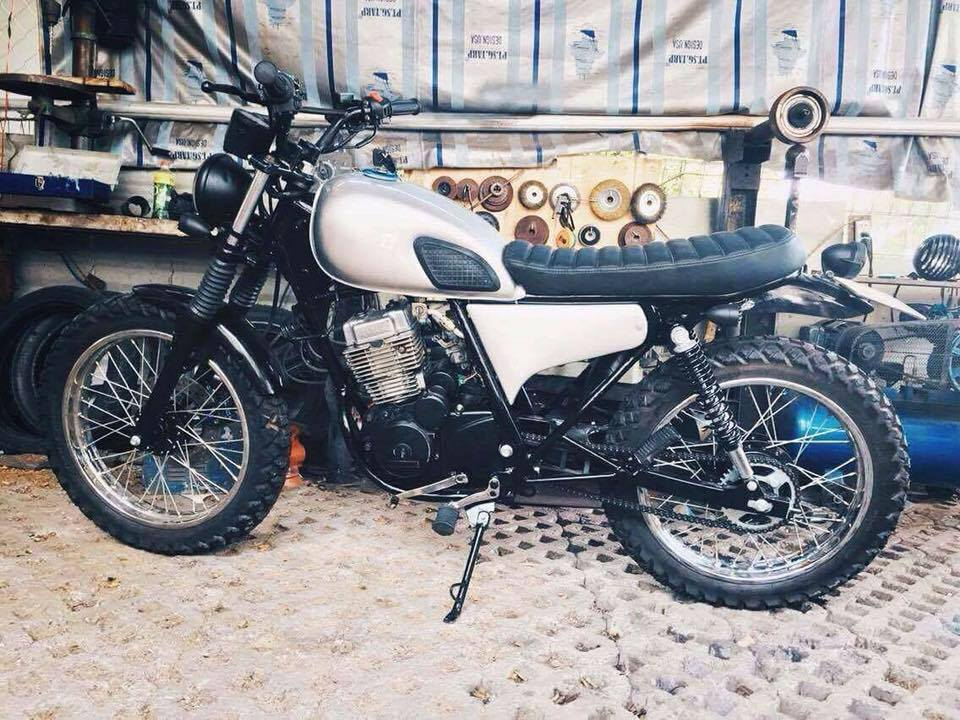 Daelim vs125 up brat track tracker cafe racer