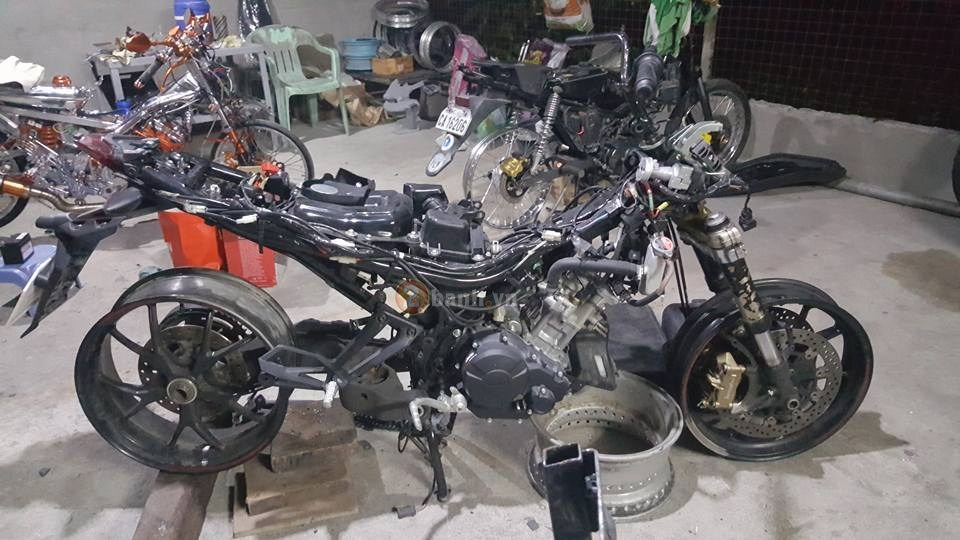 Exciter 150 do dan chan Ducati Hypermotard 1100S 2008 dang hinh thanh - 3