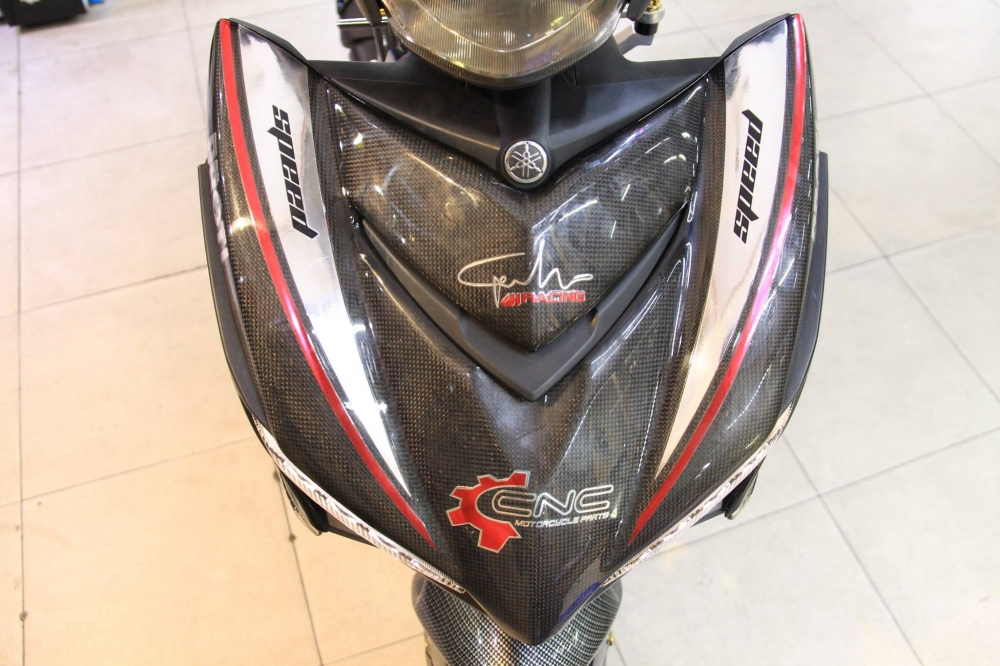 Exciter 150 do khung trong bo canh Carbon cung dan chan R3 - 3