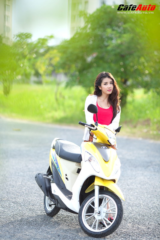 Kymco Candy 50 so dang cung hot girl Linh Napie - 5