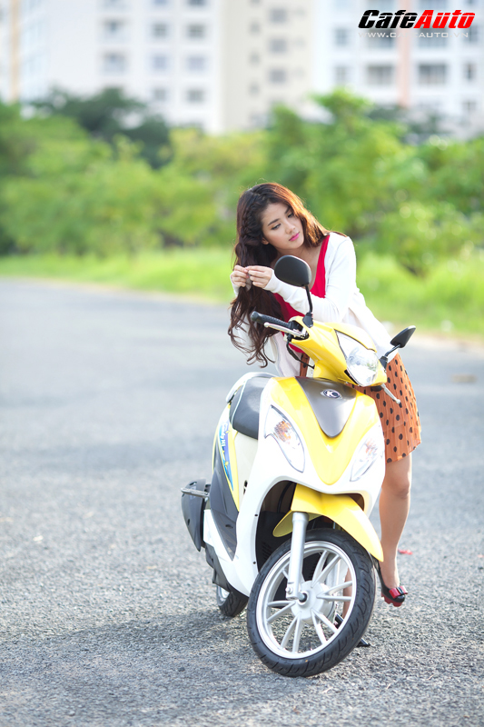 Kymco Candy 50 so dang cung hot girl Linh Napie - 7