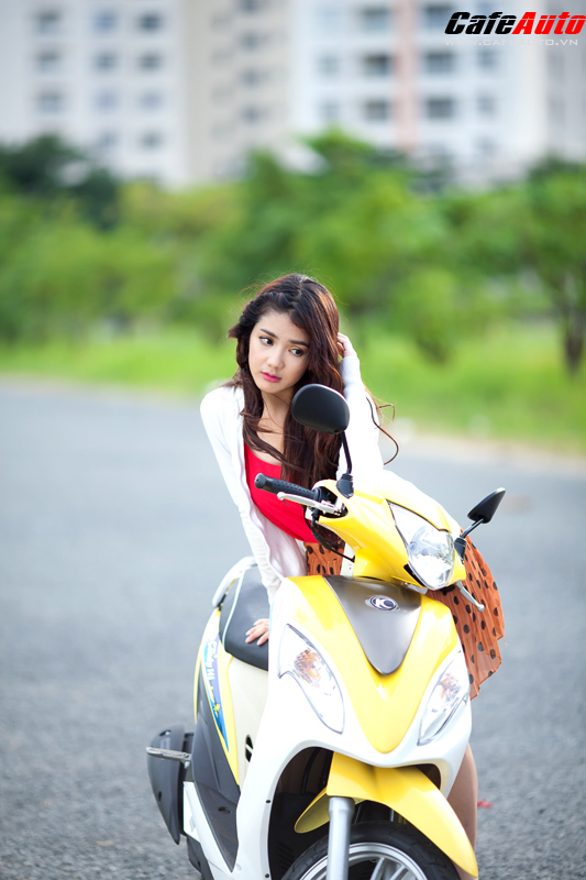 Kymco Candy 50 so dang cung hot girl Linh Napie - 8