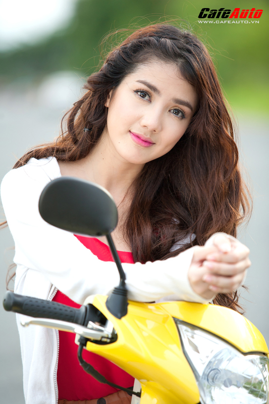 Kymco Candy 50 so dang cung hot girl Linh Napie - 11