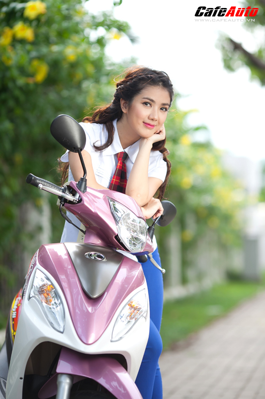 Kymco Candy 50 so dang cung hot girl Linh Napie - 13