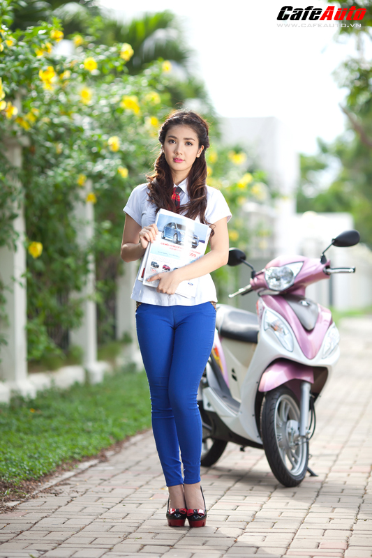 Kymco Candy 50 so dang cung hot girl Linh Napie - 21