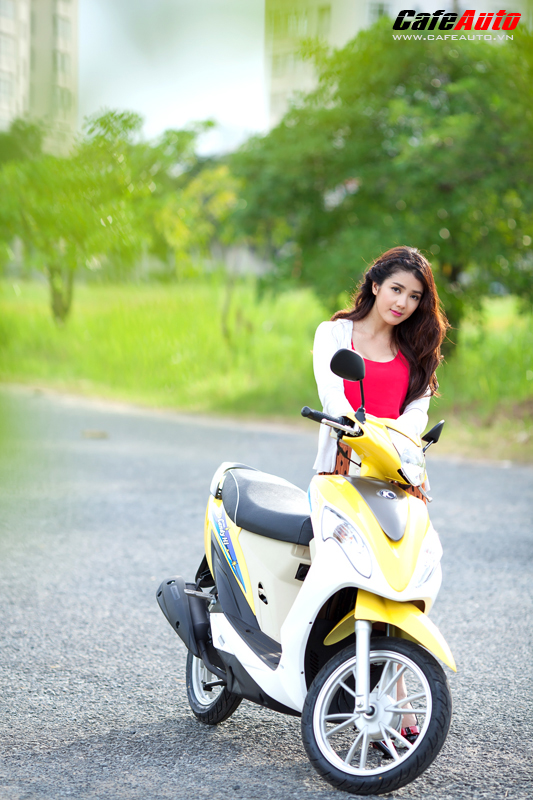 Kymco Candy 50 so dang cung hot girl Linh Napie - 4