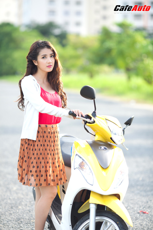 Kymco Candy 50 so dang cung hot girl Linh Napie - 2