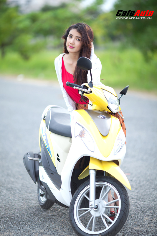 Kymco Candy 50 so dang cung hot girl Linh Napie - 10