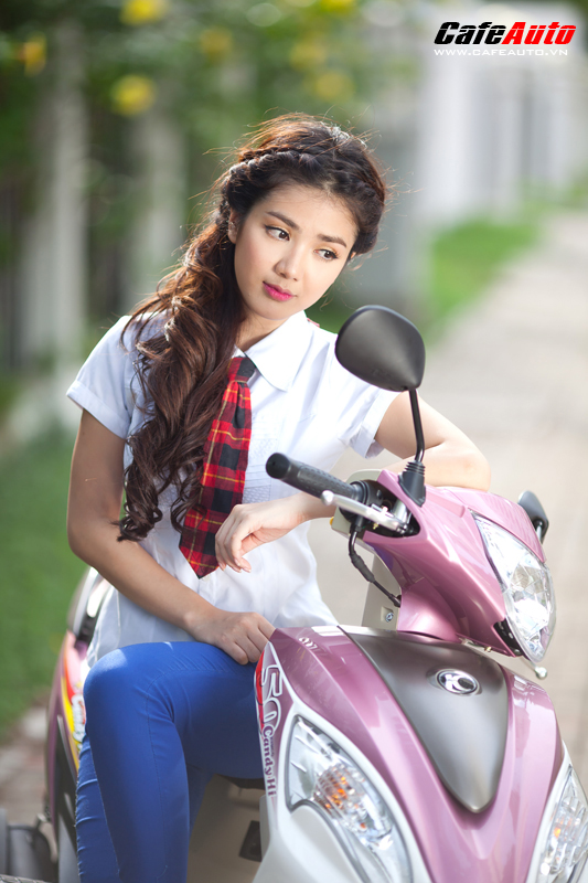 Kymco Candy 50 so dang cung hot girl Linh Napie - 19