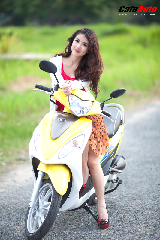 Kymco Candy 50 so dang cung hot girl Linh Napie - 12