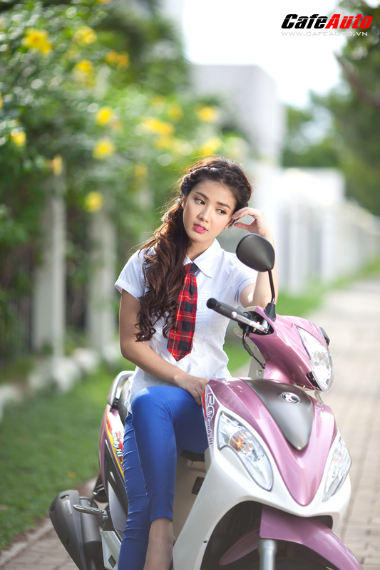 Kymco Candy 50 so dang cung hot girl Linh Napie - 18