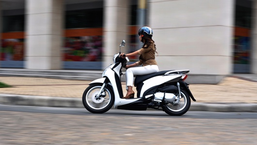 Kymco People 16Fi Dong xe tien ich moi danh cho Phai Dep - 6
