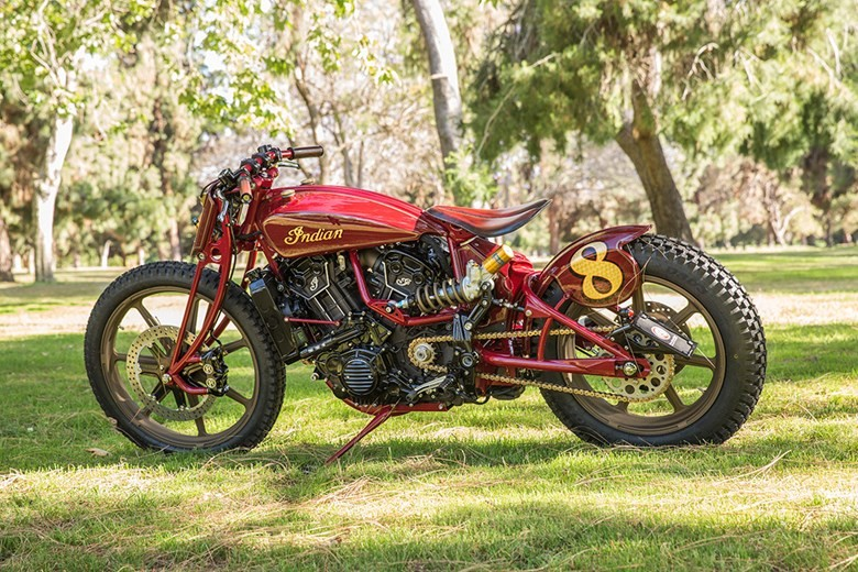 Sieu pham Indian Scout trong ban do kich doc den tu Roland Sands