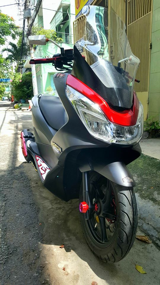 Super Scooter Honda PCX voi loat do choi noi bat - 5
