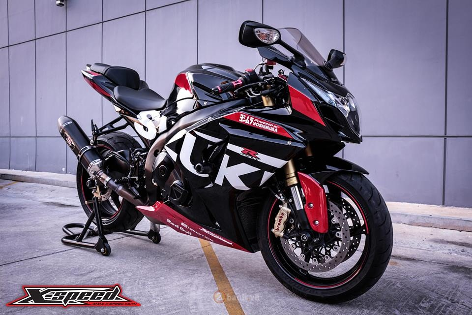 Suzuki GSXR1000 do day the thao phong phien ban Yoshimura