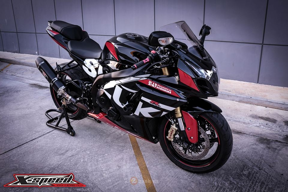 Suzuki GSXR1000 do day the thao phong phien ban Yoshimura - 5