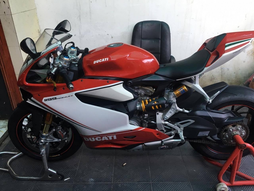 Thanh Ly DUCATI 1199s Panigale Date 2012 Gia 13 Gia Thi Truong