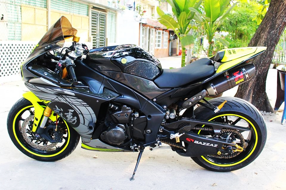 Yamaha R1 doi cu do cuc chat cua biker Sai Thanh - 5
