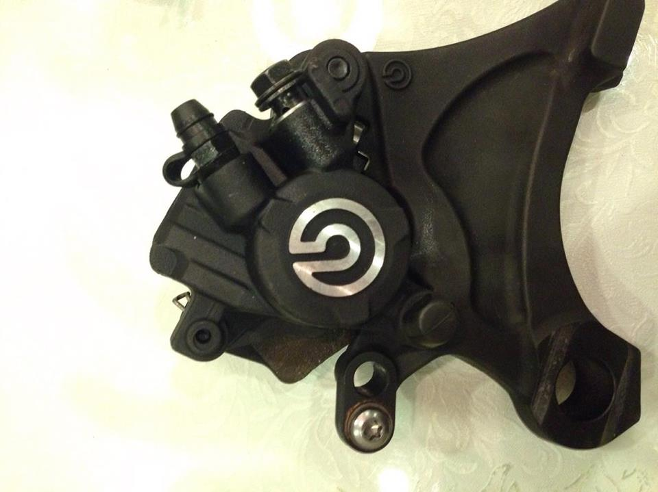 Ban heo brembo thao xe - 2