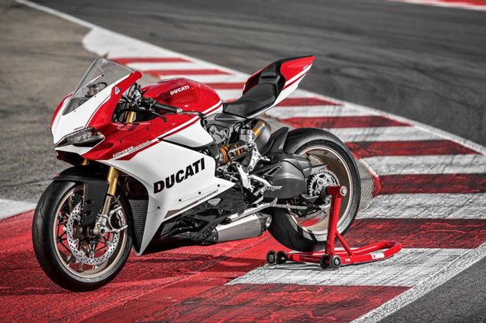 Can canh Ducati 1299 Panigale S Anniversario phien ban dac biet ky niem 90 nam - 18
