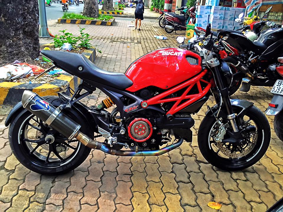 Ducati 796 chat choi voi cac option gia tri - 9