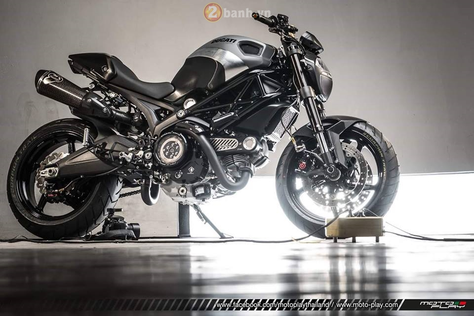Ducati Monster 795 sieu ngau voi phien ban The Dark Knight