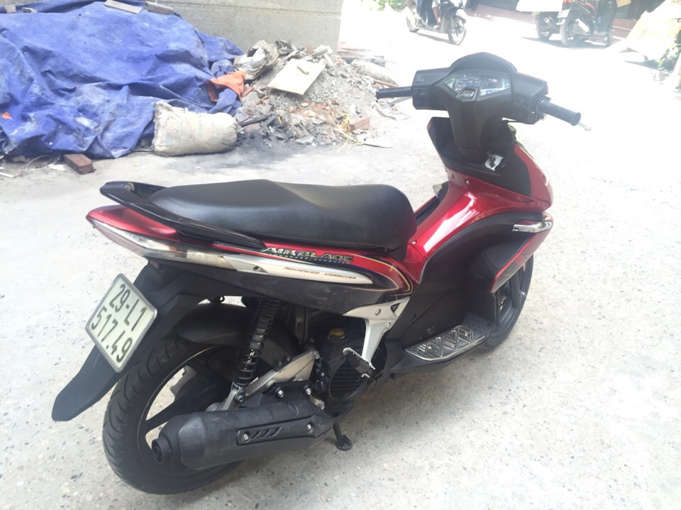 Honda Air Blade 110 mau do den may nguyen 2009 bien 29 5 so