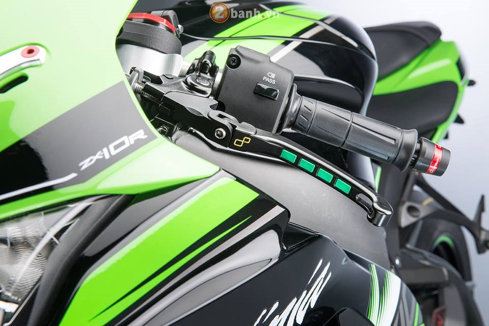 Kawasaki Ninja ZX10R 2016 day loi cuon trong ban do full Lightech - 5