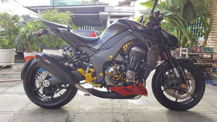 Kawasaki Z1000 hang trung bay cuc cool