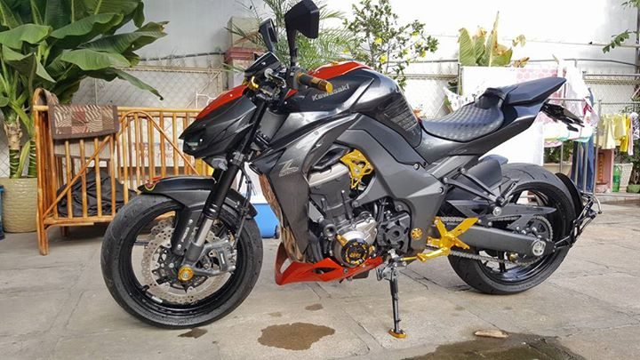 Kawasaki Z1000 hang trung bay cuc cool - 2