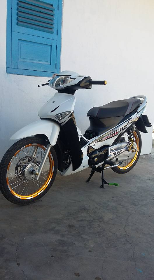 Show nhe con Wave S125 nuoc ban