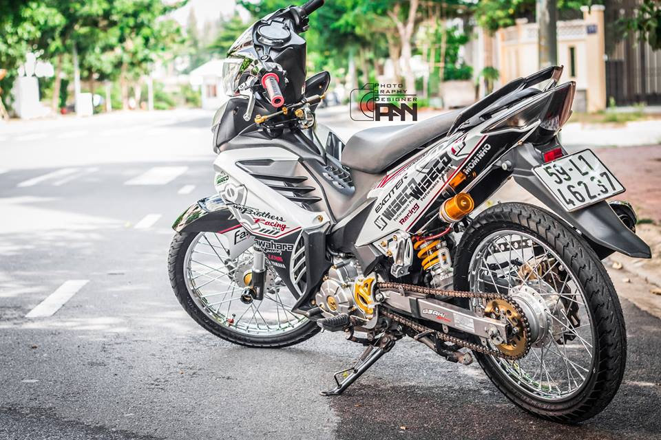 Yamaha Exciter chat choi tu Anh Hong Decal