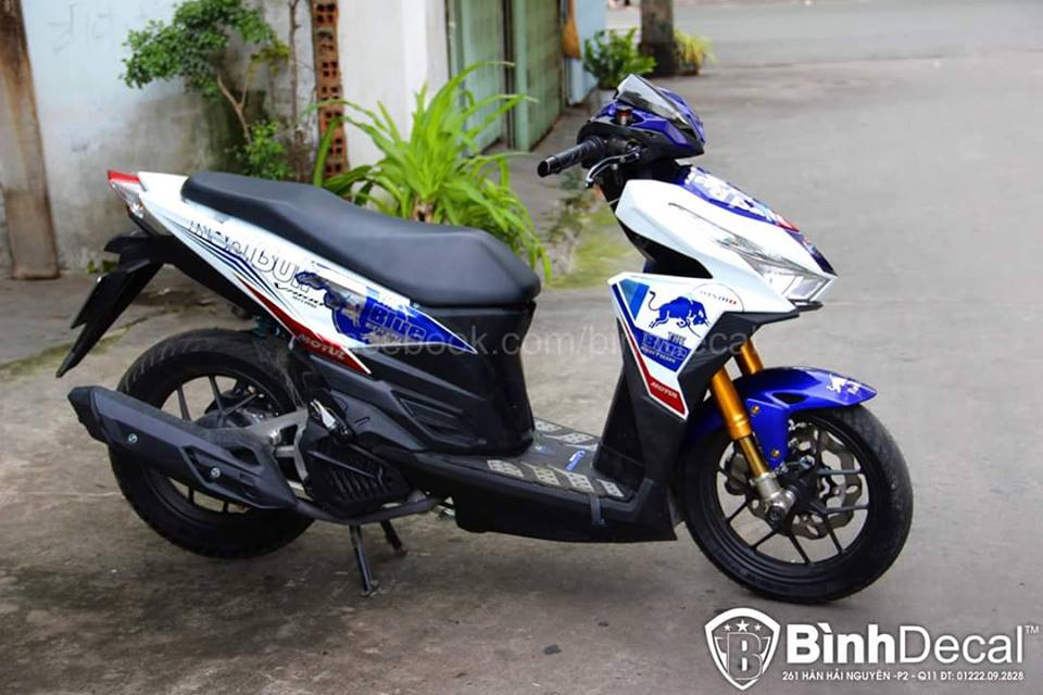 Binh Decal ra mat ban do Click 125i day an tuong