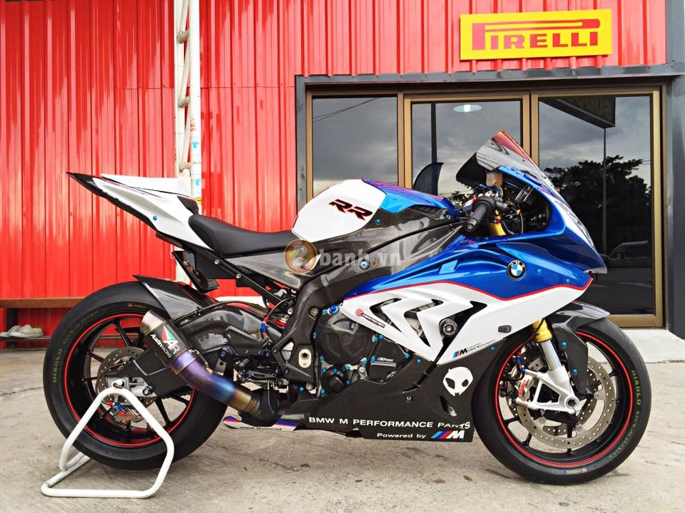 BMW S1000RR 2015 hut hon trong ban do hang hieu