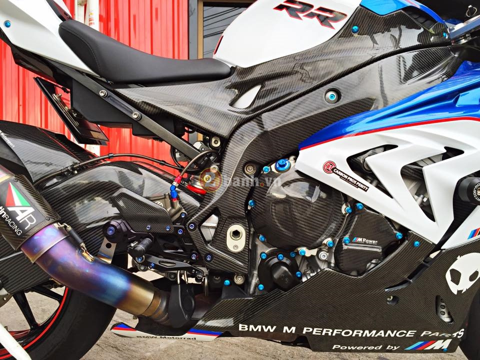 BMW S1000RR 2015 hut hon trong ban do hang hieu - 14