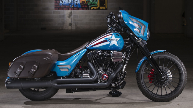 Can canh HarleyDavidson Street Glide Special phien ban Captain America - 3
