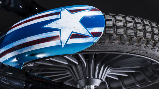 Can canh HarleyDavidson Street Glide Special phien ban Captain America - 7