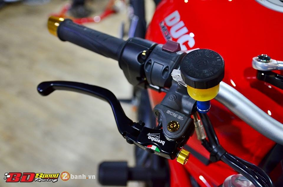 Ducati Monster 821 cuc chat ben dan do choi hang hieu - 4