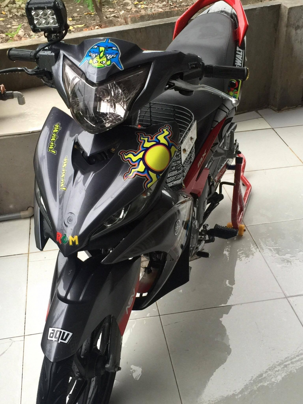 Exciter 135 do phong cach Rossi huyen thoai