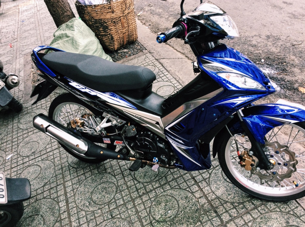Exciter 135 phong cach zin bao anh phai nguoc nhin