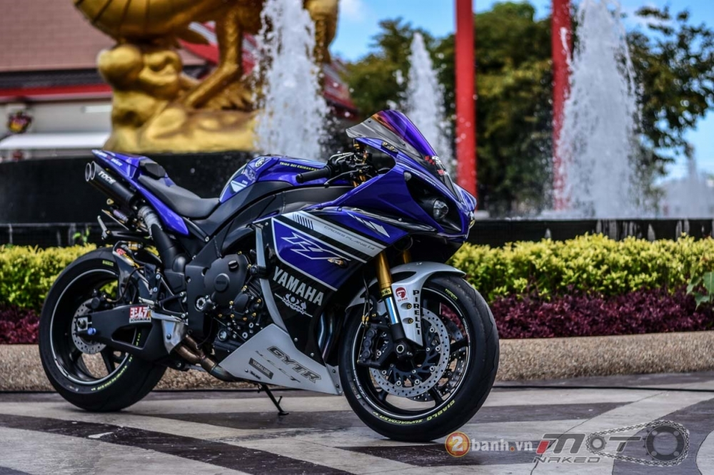 Yamaha R1 hut hon trong ban do Racing Street
