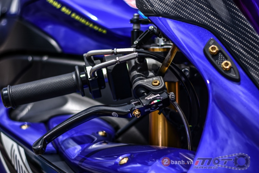 Yamaha R1 hut hon trong ban do Racing Street - 5