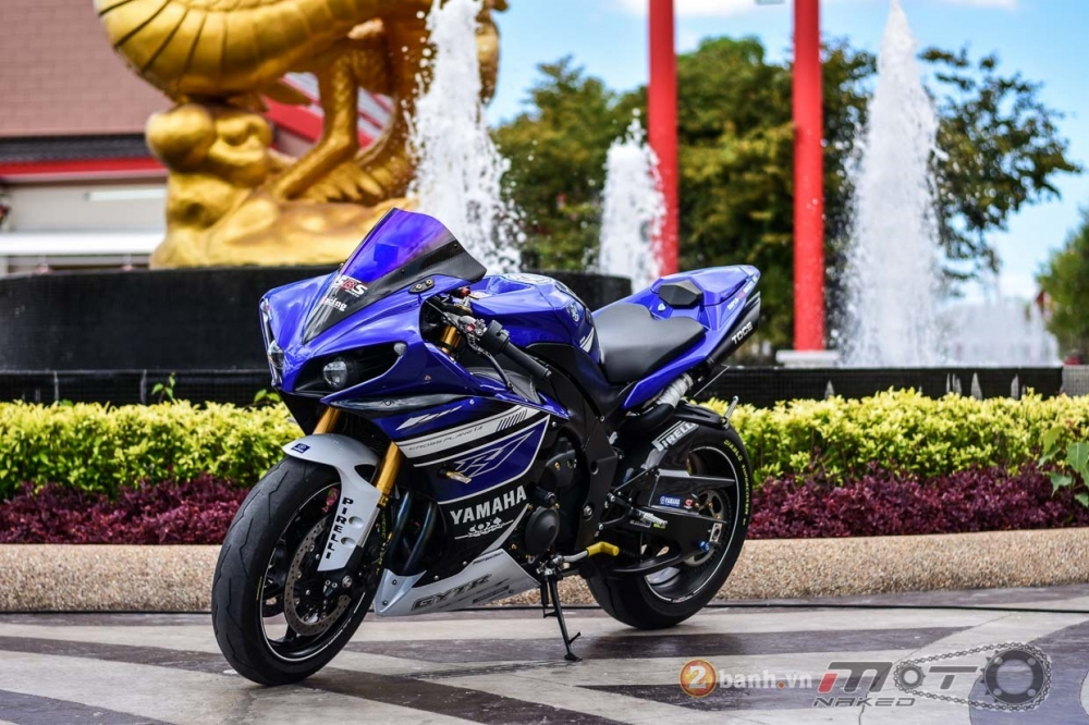 Yamaha R1 hut hon trong ban do Racing Street - 23
