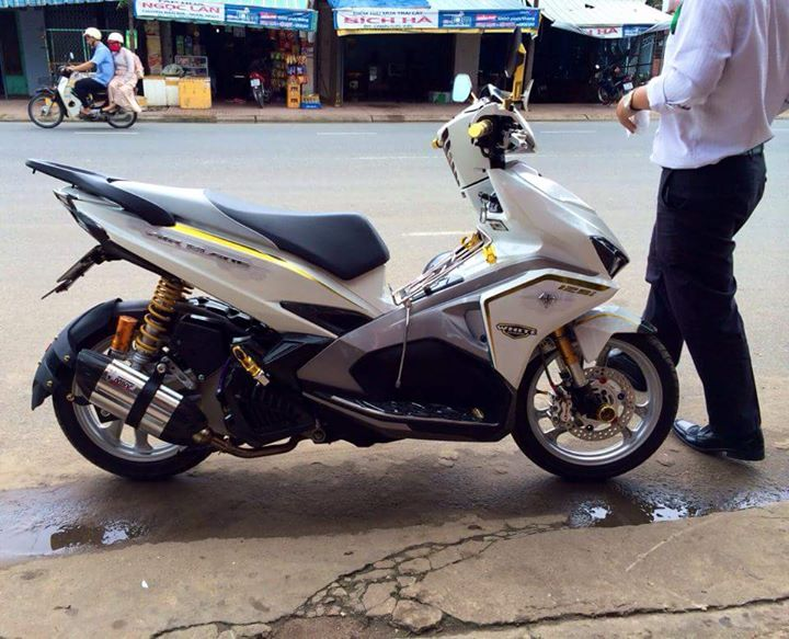 Air Blade 125 bach cong tu do cuc chat - 3