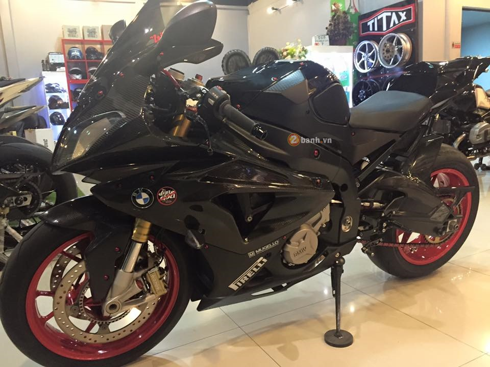 BMW S1000RR do cuc chat voi ve ngoai day ma mi