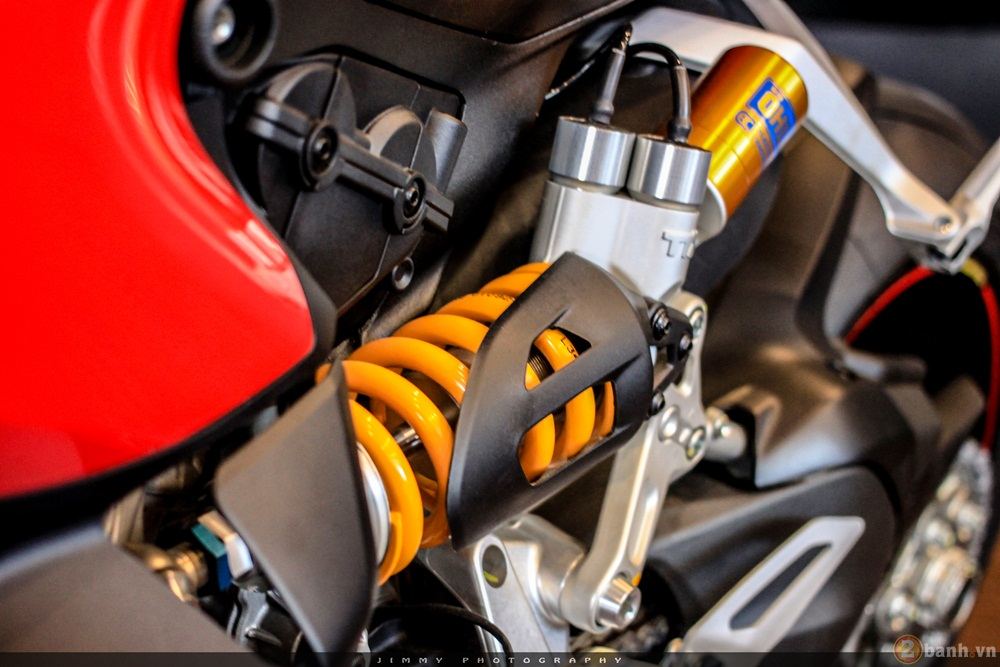 Chan dai Italy 1299 Panigale S chiec Super Sport gon nhe nhat hien nay - 6
