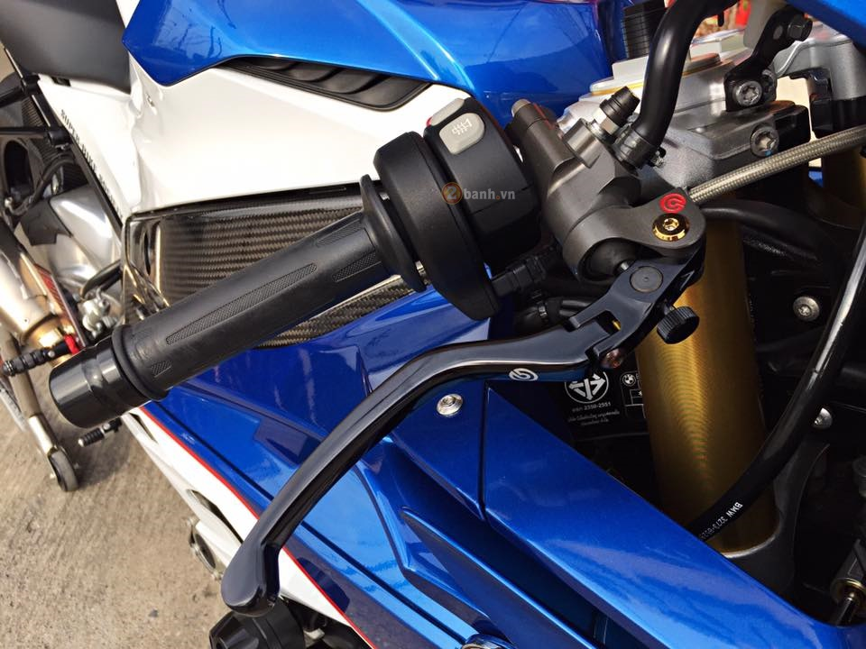 Day quyen ru voi ban do BMW S1000RR 2015 cua dan choi Thai - 4