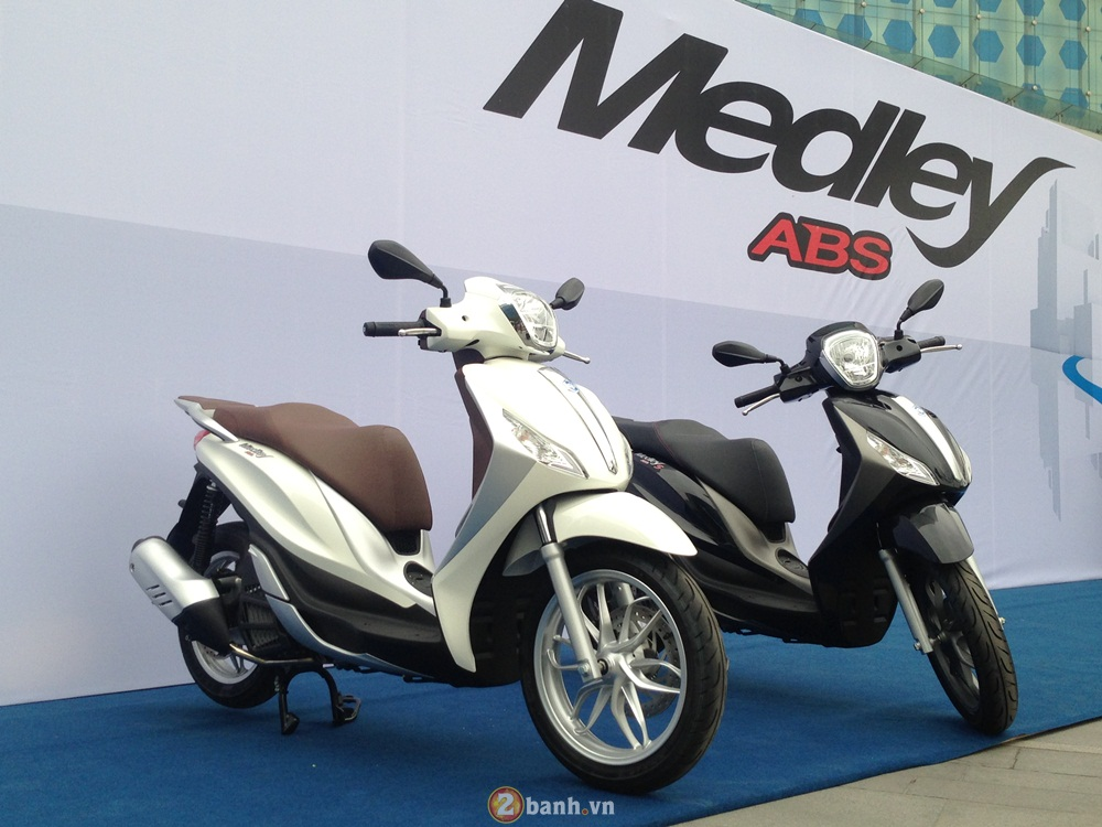 Doanh so Honda SH gap 30 lan so voi Piaggio Medley